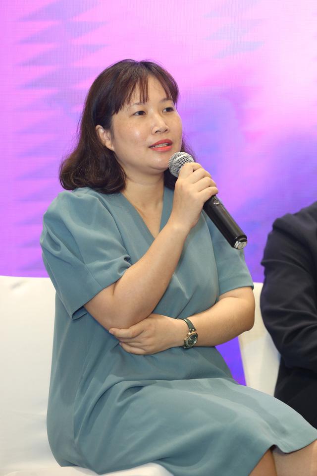 Quỳnh Kool diện váy xẻ sâu trong họp báo phim mới Hãy nói lời yêu - Ảnh 10.