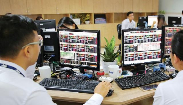 """Cổ phiếu ngân hàng - """"Điểm tựa"""" cho thị trường chứng khoán - ảnh 2"""