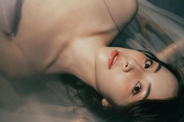 Chào tuổi 25, Trần Vân tung bộ ảnh mới vô cùng quyến rũ - Ảnh 3.