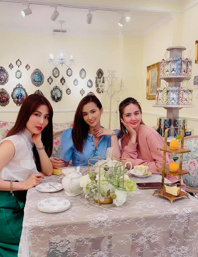 Lã Thanh Huyền hội ngộ nguyên dàn diễn viên Tình yêu và tham vọng - Ảnh 3.