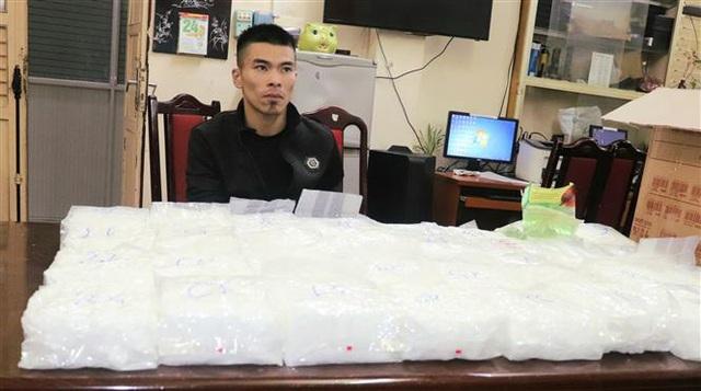 Triệt phá băng nhóm tội phạm mua bán, vận chuyển trái phép gần 60 kg ma túy tổng hợp - Ảnh 3.