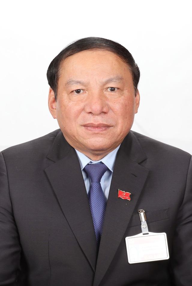 Tóm tắt tiểu sử Bộ trưởng Bộ Văn hóa, Thể thao và Du lịch Nguyễn Văn Hùng - Ảnh 1.