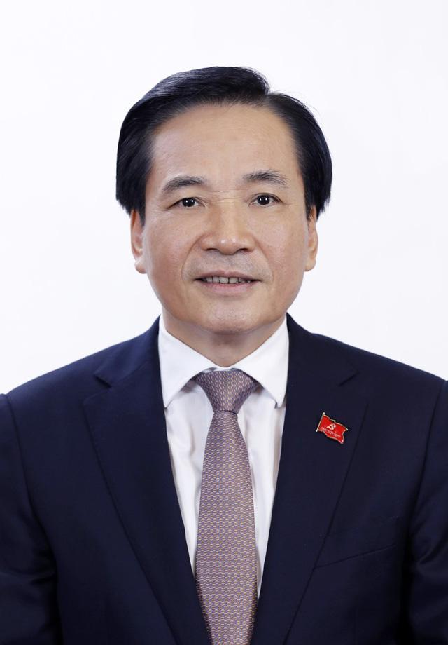 Tóm tắt tiểu sử Bộ trưởng, Chủ nhiệm Văn phòng Chính phủ Trần Văn Sơn - Ảnh 1.
