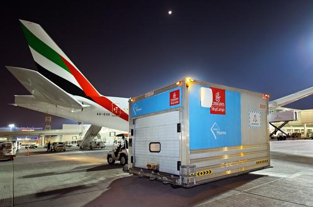 Emirates SkyCargo đã vận chuyển 50 triệu liều vaccine COVID-19 - Ảnh 1.