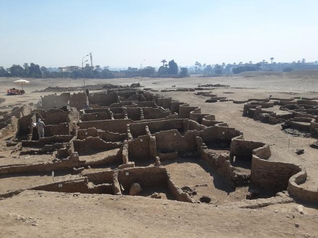 """Ai Cập phát hiện """"thành phố vàng"""" 3.000 năm tuổi - ảnh 2"""