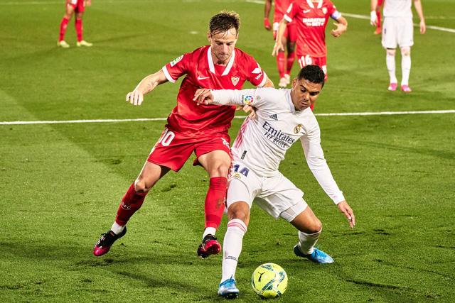 Real Madrid 2-2 Sevilla: Chia điểm kịch tính - Ảnh 1.