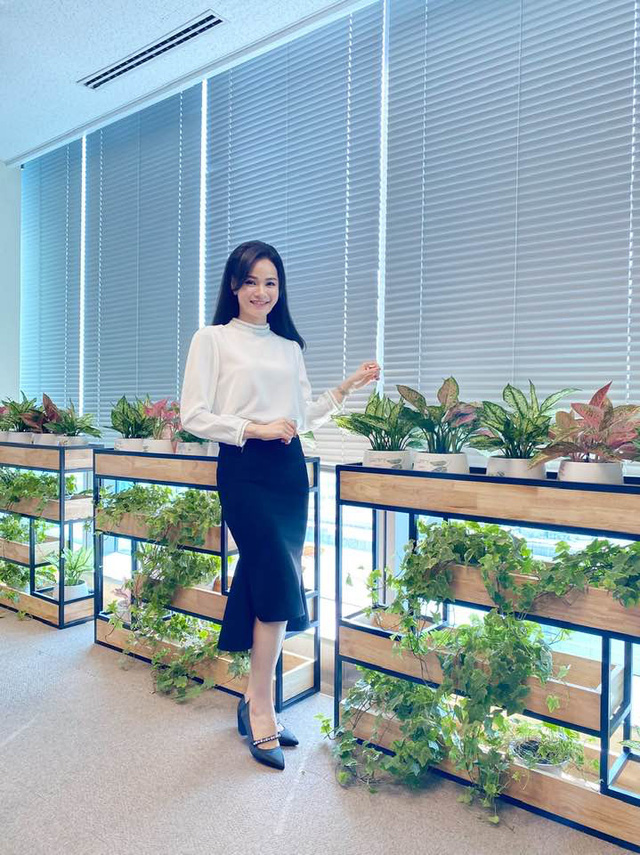 Dàn BTV, MC tuần qua: Thụy Vân đọ sắc với NSND Thu Hà, Mạnh Khang khoe mẹ xinh đẹp - ảnh 22