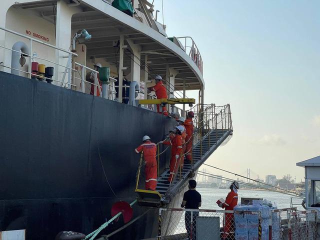 Đoàn tàu số 2 của metro 1 chính thức cập cảng Khánh Hội - Ảnh 3.