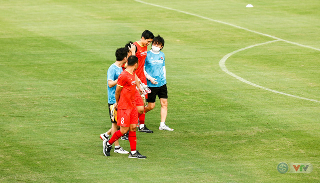 HLV Park Hang Seo nổi giận, liên tục chỉnh học trò - Ảnh 2.