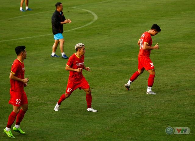 HLV Park Hang Seo nổi giận, liên tục chỉnh học trò - Ảnh 13.