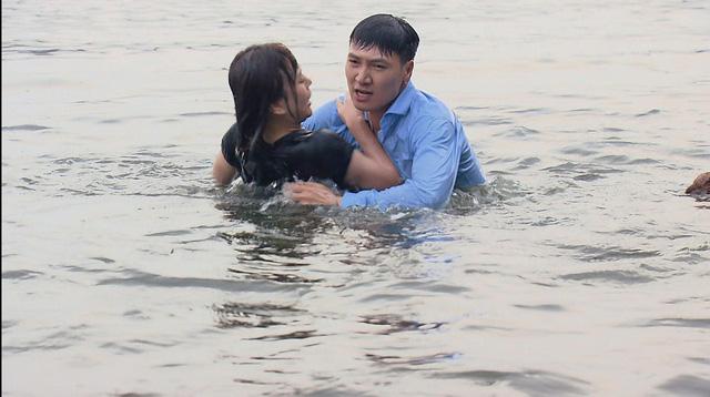 Hương vị tình thân - Tập 16: Ông Sinh bán mạng cho Chiến chó, trả nợ 1 tỷ 3 cho Nam - Ảnh 2.