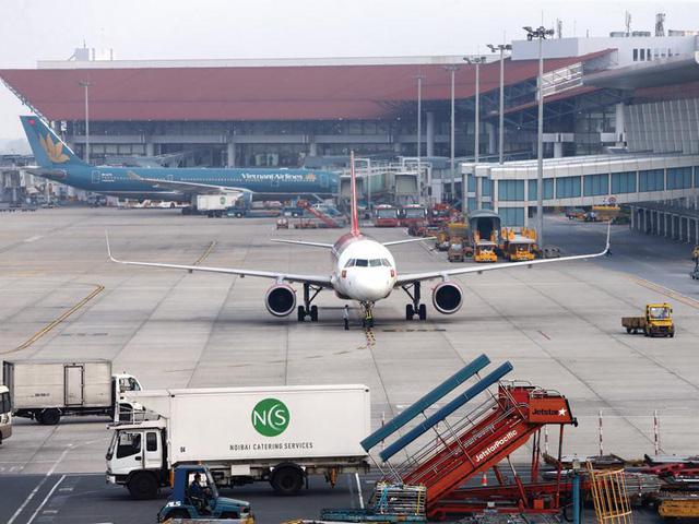 Sốt ruột với đầu tư công, nói không với sân bay mới - Ảnh 1.