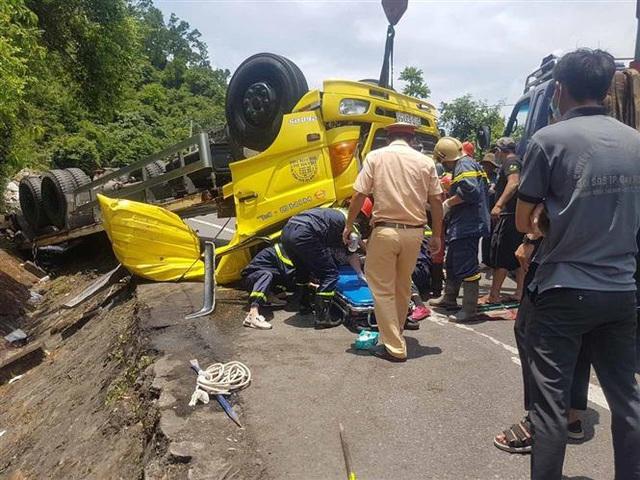 Tai nạn giao thông nghiêm trọng trên đèo Cù Mông, 2 người thiệt mạng - Ảnh 2.