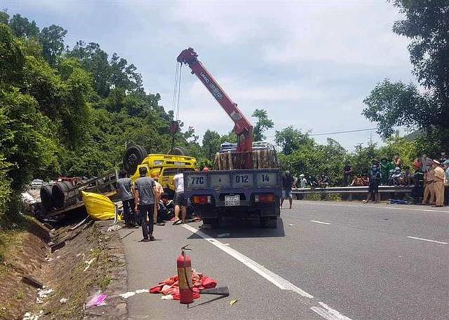 Tai nạn giao thông nghiêm trọng trên đèo Cù Mông, 2 người thiệt mạng - Ảnh 1.