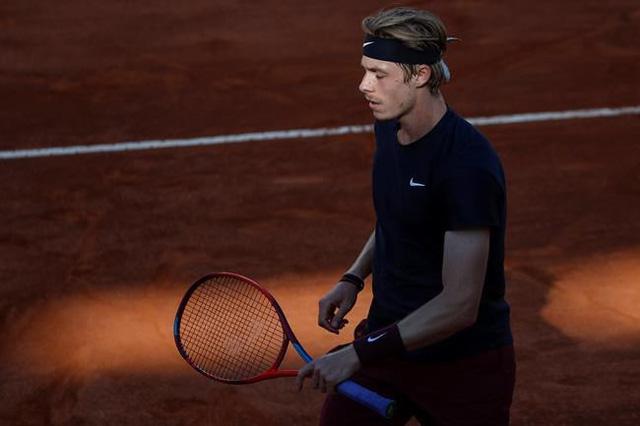 Ngược dòng vất vả trước Shapovalov, Nadal tiến vào tứ kết Italia mở rộng 2021 - Ảnh 1.