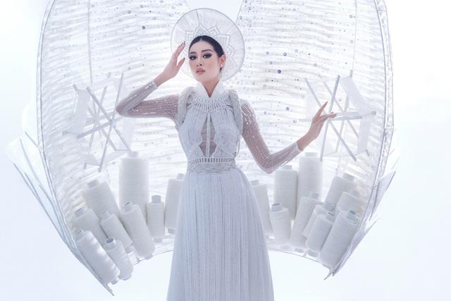 Khánh Vân sẵn sàng trình diễn trang phục dân tộc nặng 30kg tại Miss Universe - Ảnh 5.