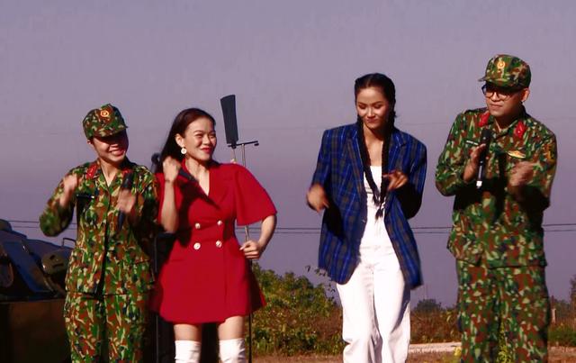 Hoa hậu HHen Niê và ca sĩ Hải Yến khuấy động Chúng tôi chiến sĩ 2021 - Ảnh 3.
