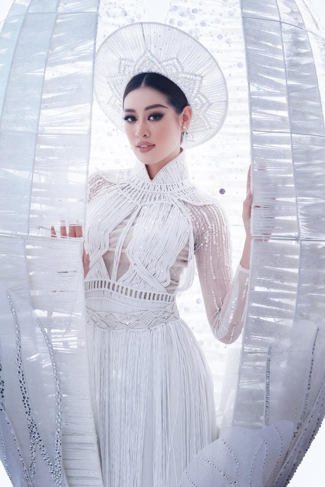 Khánh Vân sẵn sàng trình diễn trang phục dân tộc nặng 30kg tại Miss Universe - Ảnh 7.