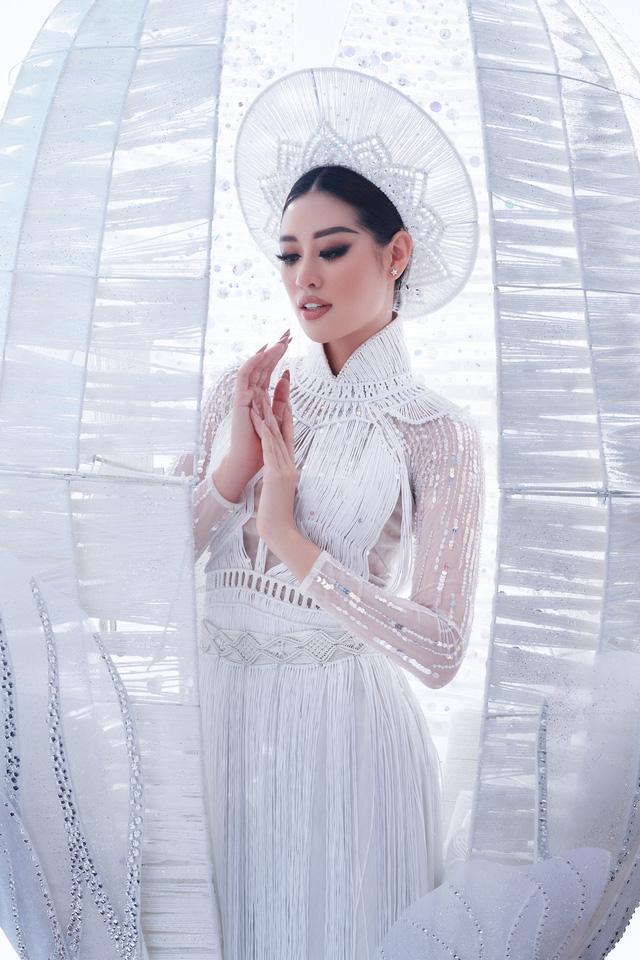 Khánh Vân sẵn sàng trình diễn trang phục dân tộc nặng 30kg tại Miss Universe - Ảnh 4.