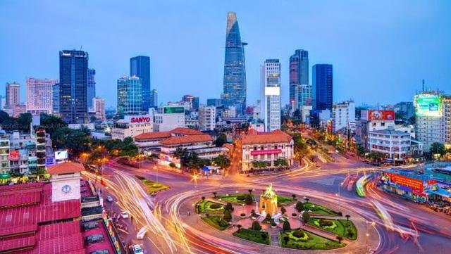 Thủ tướng ủng hộ tăng tỉ lệ điều tiết ngân sách để lại cho TP Hồ Chí Minh - Ảnh 2.
