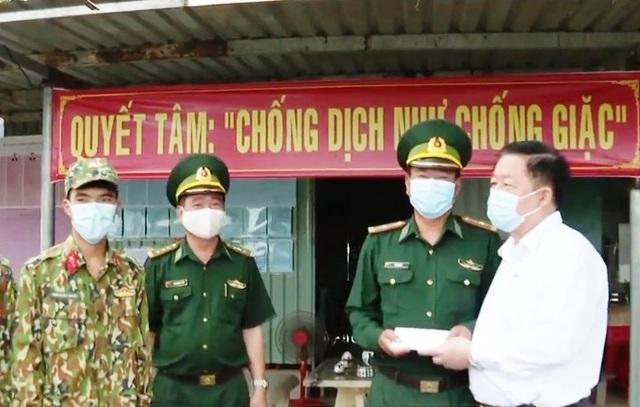 Động viên cán bộ, chiến sĩ Đồn Biên phòng Phước Tân, Tây Ninh - Ảnh 1.