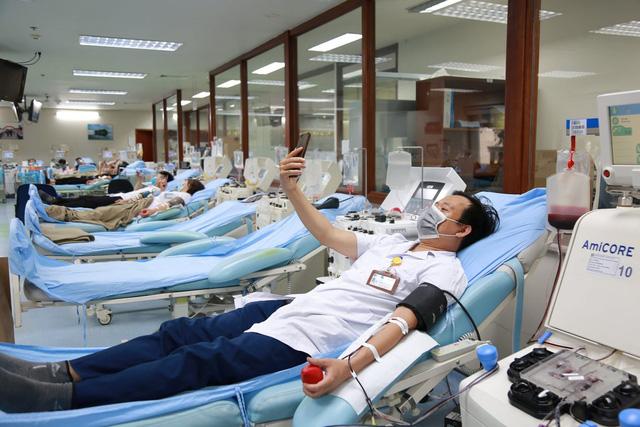 Kêu gọi người dân đủ điều kiện sức khỏe hiến máu, hiến tiểu cầu - Ảnh 1.