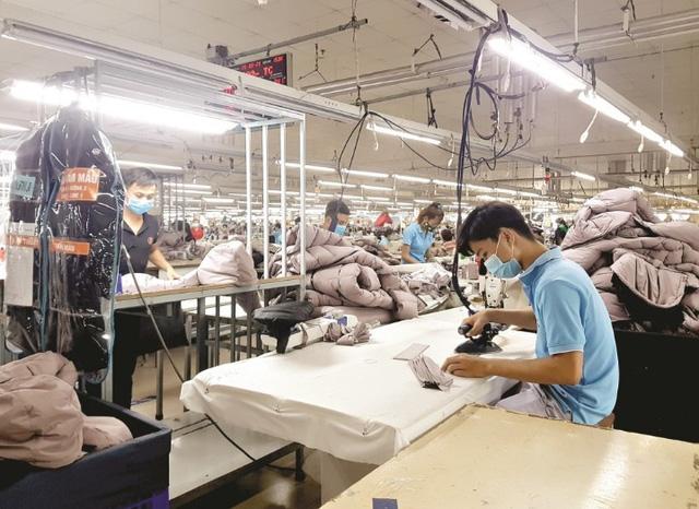 An toàn phòng dịch COVID-19: Yếu tố cốt lõi đảm bảo sản xuất tại các khu công nghiệp - Ảnh 1.