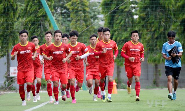 Các tuyển thủ U22 Việt Nam nỗ lực bắt nhịp với giáo án của ban huấn luyện - Ảnh 3.