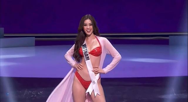 Khánh Vân trình diễn bikini gợi cảm tại Bán kết Hoa hậu Hoàn vũ - Ảnh 2.