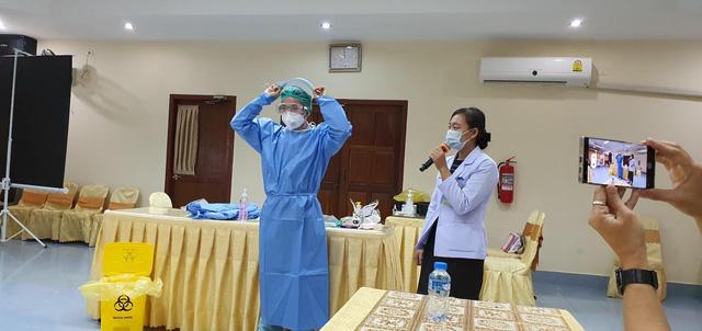 Chuyên gia y tế Việt Nam hỗ trợ cấp cứu kịp thời một thai phụ người Lào mắc COVID-19 - Ảnh 2.