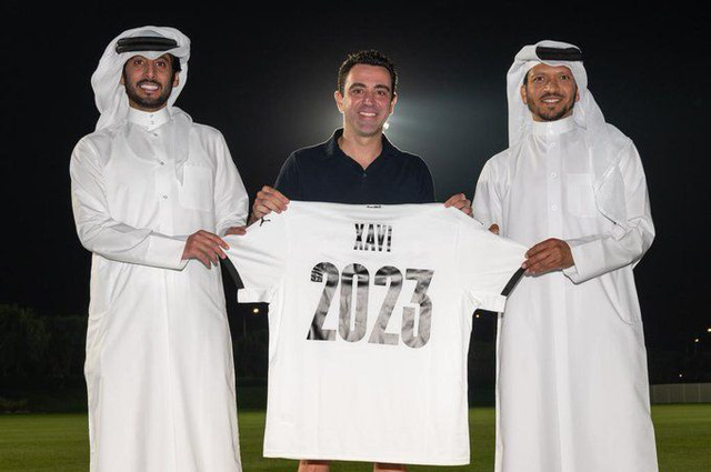 Mới gia hạn hợp đồng cùng Al Sadd, Xavi vẫn có thể dẫn dắt Barcelona mùa tới - Ảnh 1.