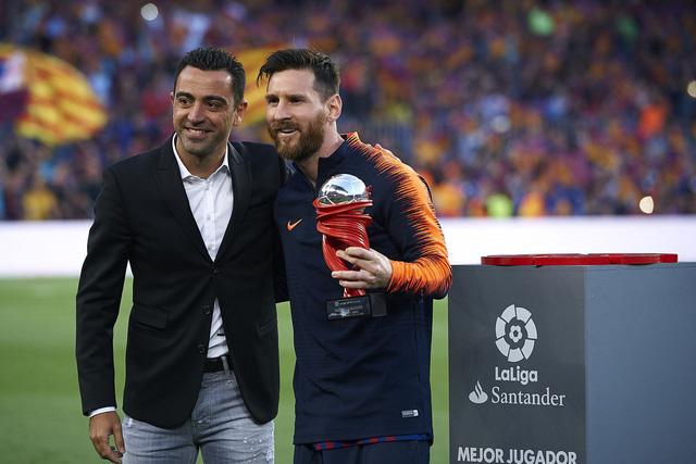 Xavi trở lại đàm phán với Barcelona - Ảnh 1.
