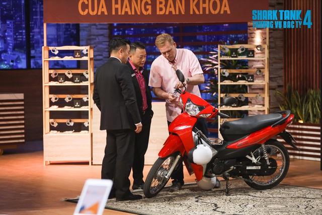 Shark Tank Việt Nam: Shark Phú chốt deal 2 tỷ với startup khóa chống trộm xe máy - Ảnh 1.
