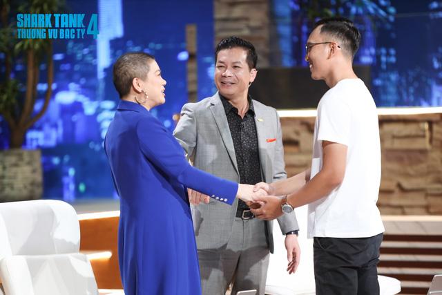 Chàng trai Việt kiều với bạt làm nổi ô tô được dàn Shark tranh nhau xuống tiền - Ảnh 6.