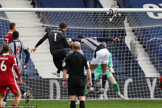Alisson Becker ghi bàn, Liverpool tiến sát tấm vé dự Champions League - Ảnh 3.