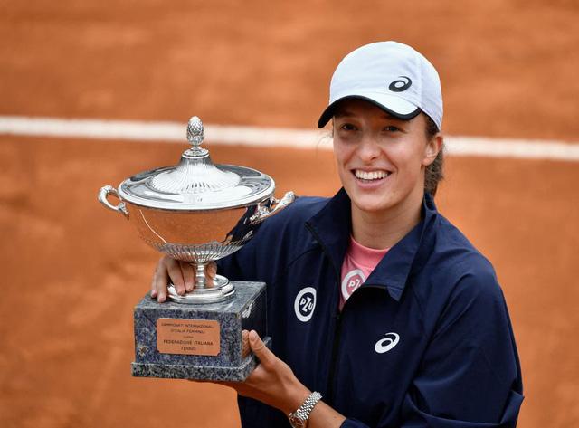 Iga Swiatek vô địch giải quần vợt Italia mở rộng 2021 - Ảnh 4.
