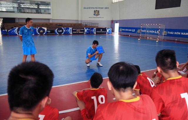 ĐT Futsal Việt Nam ngược dòng thắng ĐT Iraq trong trận giao hữu - Ảnh 2.