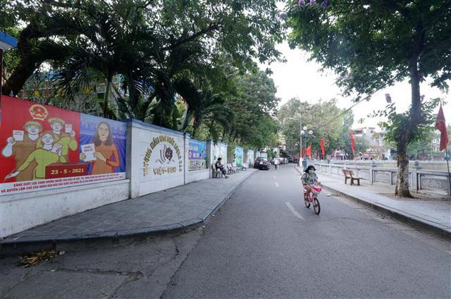Bầu cử QH và HĐND: Hà Nội hân hoan đón ngày hội lớn - Ảnh 3.
