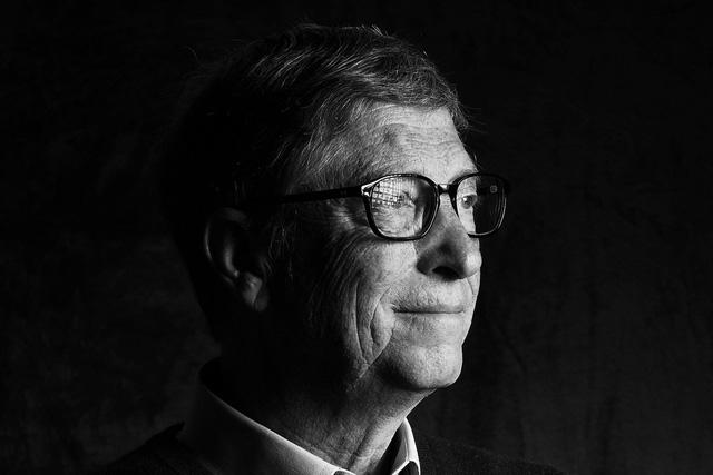 Bill Gates phải rời Microsoft vì quan hệ tình ái? - Ảnh 1.