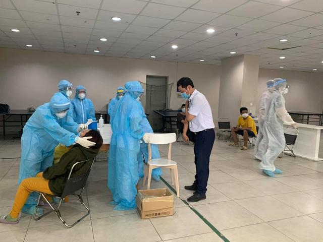 TP Hồ Chí Minh: 1 ca mắc COVID-19, xét nghiệm cho hơn 6.000 cư dân - Ảnh 1.