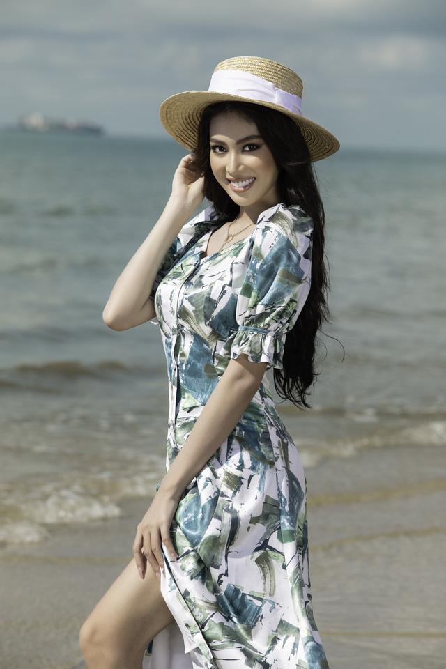 Á hậu Ngọc Thảo hóa nàng thơ trên bãi biển - ảnh 2