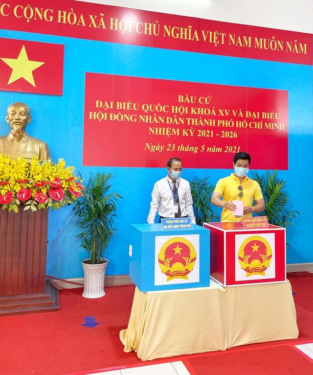 Dàn sao Việt dậy sớm đi bầu cử - Ảnh 1.