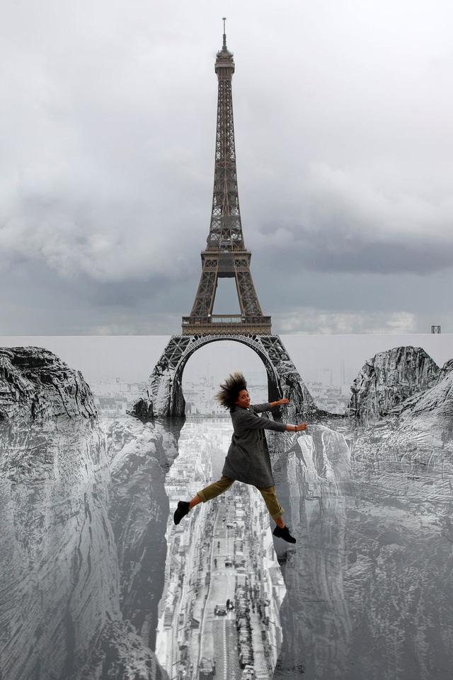Nghệ thuật sắp đặt 3D chào mừng Tháp Eiffel sắp đón khách trở lại - ảnh 5