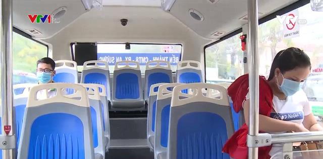 Xe bus phiên bản mới hỗ trợ tích cực phòng chống dịch - Ảnh 1.