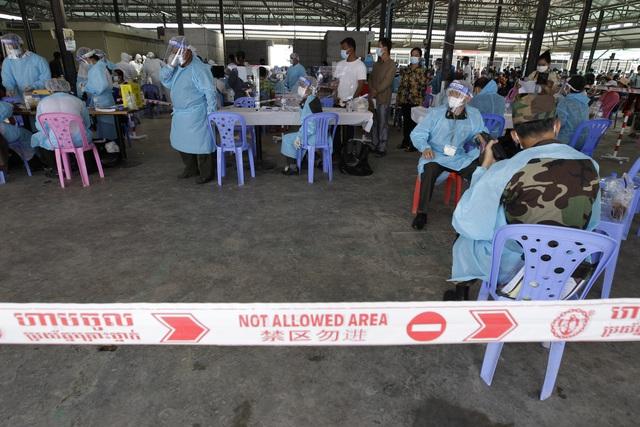 Số ca mắc COVID-19 mới ở Campuchia tiếp tục tăng cao - Ảnh 2.