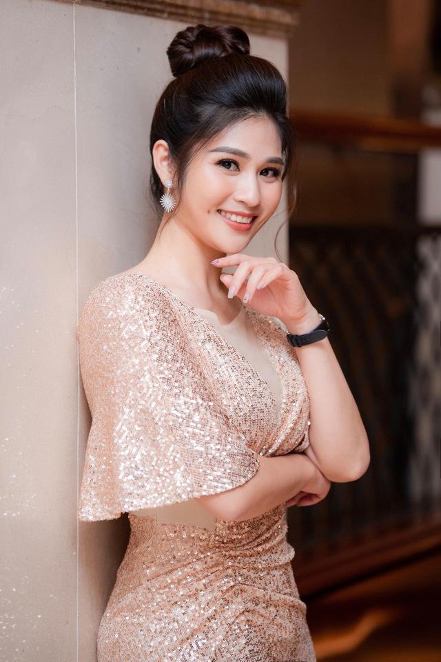 Dàn MC, BTV mê tóc dài: Thụy Vân biến hóa, Hoài Anh cuốn hút, Thu Hương lại than dày - Ảnh 39.