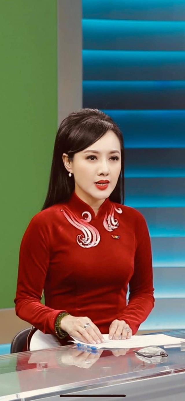 Dàn MC, BTV mê tóc dài: Thụy Vân biến hóa, Hoài Anh cuốn hút, Thu Hương lại than dày - Ảnh 24.