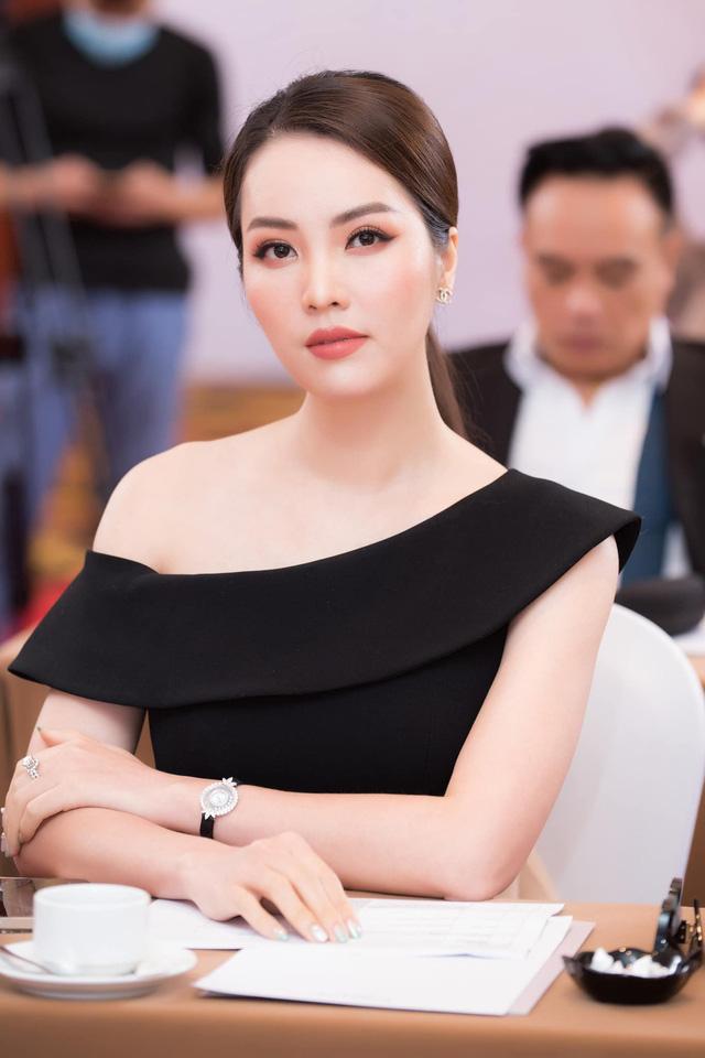 Dàn MC, BTV mê tóc dài: Thụy Vân biến hóa, Hoài Anh cuốn hút, Thu Hương lại than dày - Ảnh 15.