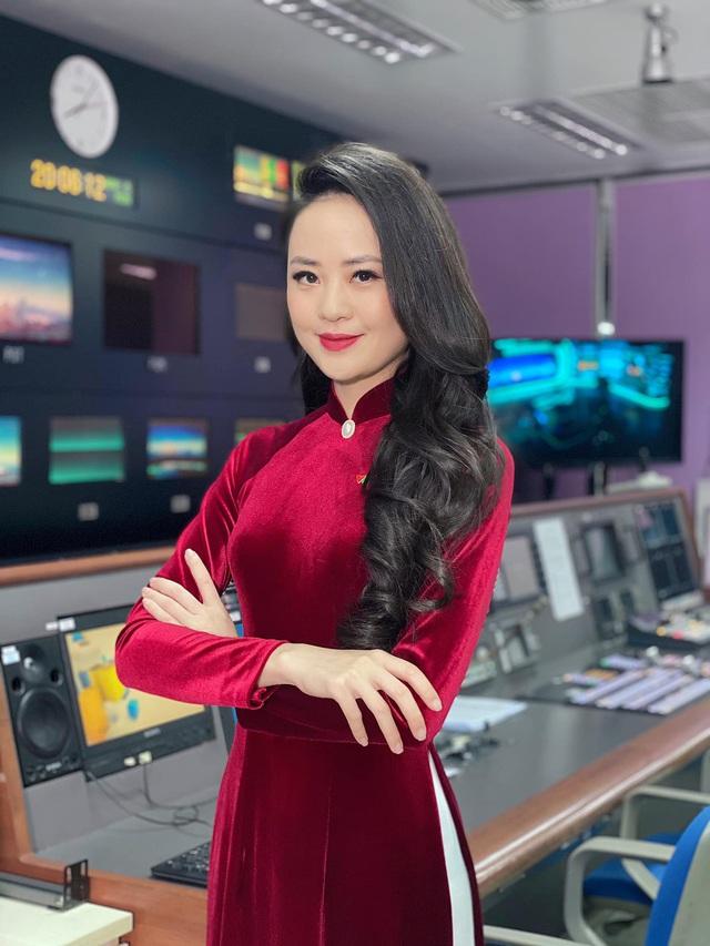Dàn MC, BTV mê tóc dài: Thụy Vân biến hóa, Hoài Anh cuốn hút, Thu Hương lại than dày - Ảnh 3.