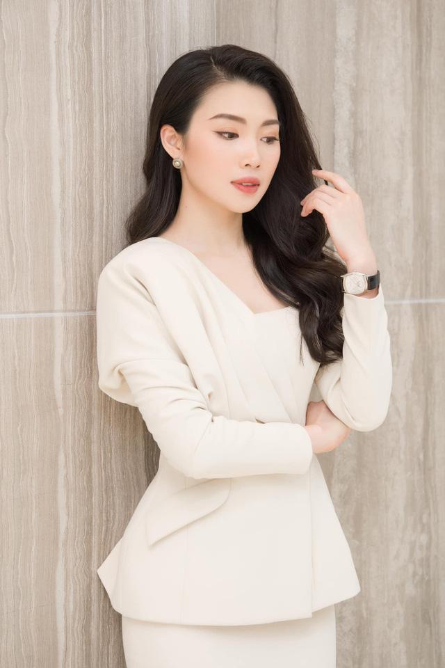 Dàn MC, BTV mê tóc dài: Thụy Vân biến hóa, Hoài Anh cuốn hút, Thu Hương lại than dày - Ảnh 33.